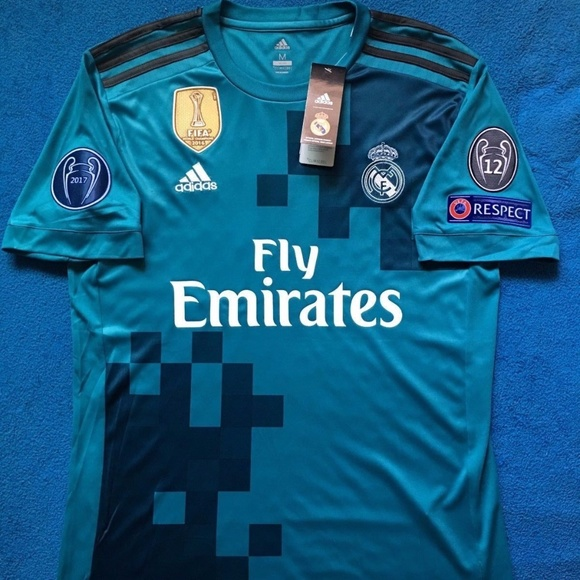 hot sales d3da5 a4dcb Cristiano Ronaldo #7 Real Madrid Champions Jersey NWT